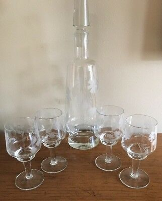 Vintage Hand Blown Etched Crystal clear Glass Decanter W/4 Wine Glasses