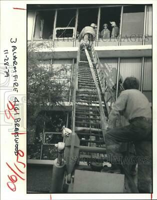 1979 Press Photo Fire Department at the Bayou Manor Nursing Home, Houston