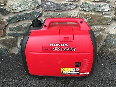 HONDA EU 20i SUITCASE GENERATOR  ONLY USED FOR 3 HOURS  SPRAY PAINTING A YACHT