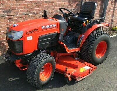 Kubota B2230 4WD Hydrostatic Drive Compact Tractor fitted with 60' mower deck