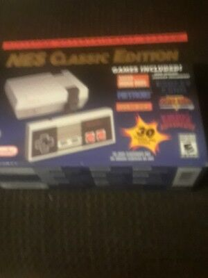 New Nintendo Entertainment System: NES Classic Edition (Mini)  30 Games Included