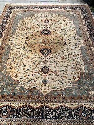 """Beautiful hand made Persian rug. 10ift x 8ft 5"""". Good condition. See photos."""