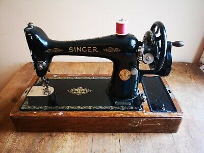 Antique Heavy Duty Singer 66K Manual Beautiful Sewing Machine with Key and Case