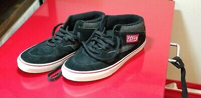 d6e432c763 VANS HALF CAB Black and White Men s Size 8.5 Trashed Skateboard ...