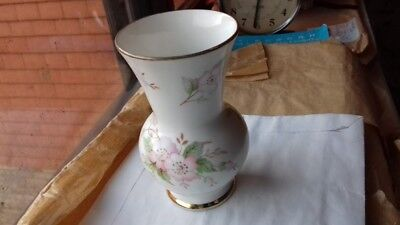 English vintage small vessel,Fine Bone China,Made in England,Queensway,VGC,11cm