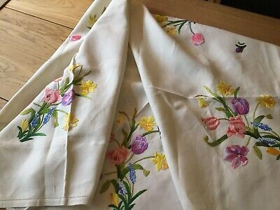 Gorgeous Large Vintage Linen Hand Embroidered Tablecloth Daffodils Tulips Crocus