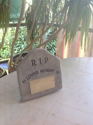Pet Memorial Headstone. with Brass Plaque for engraving.