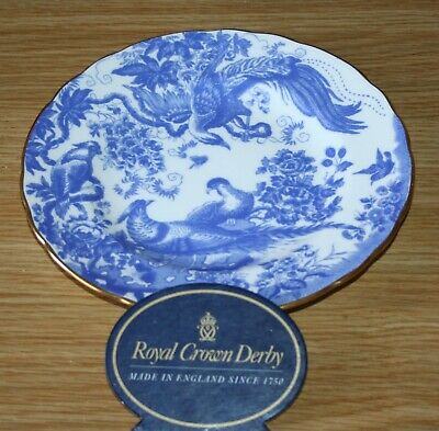 ROYAL CROWN DERBY 8.5 inches BLUE  AVES  PLATE NICE CONDITION- DATE 2006