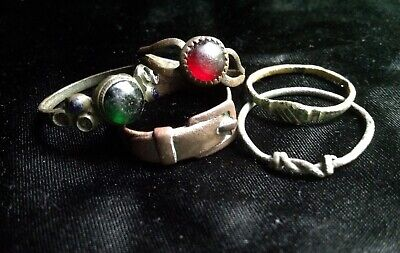 LOT 5 ANTIQUE MEDIEVAL TUDOR 17th CENTURY RING BRONZE GLASS CLASPED HANDS BUCKLE