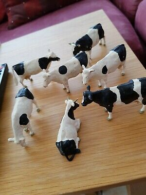 Britains model Farm Animals Plastic Cattle 6 Cows And Bull 1 To 32 Scale...
