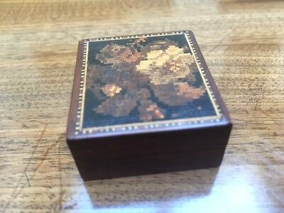 Tunbridge Ware – Rosewood stamp box with a floral pattern