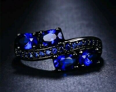 ~ Elegant Blue Sapphire Ring Featuring Unique Black Band Sizes 6 to 9 Available!