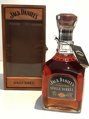 WHISKY JACK DANIELS SINGLE BARREL IN WOODEN BOX PERFECT 70cl.