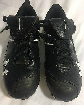 Mens UNDER ARMOUR  Black Cleats Size 7 ROTATIONAL TRACTION Baseball Shoes EU 38