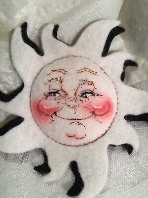 Vintage 1981 Annalee Pin-On Happy Sun Sunshine Face Open Mouth Fabric Pin Brooch