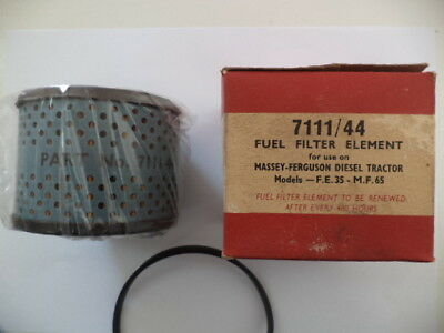 Massey-Ferguson Fe-35 & Mf-65 Diesel Nos Fuel Filter Element Mf 7111/44 Sealed.