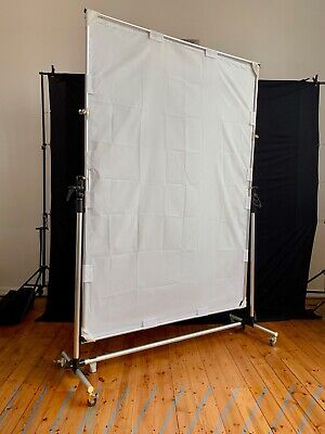 Walimex pro 150x200cm Rolling Reflector Background Panel
