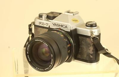 YASHICA FX-7 w/ YASHICA 42-75 ZOOM LENS  + ACCESSPRIES: REF: 3101Y