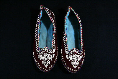 ANTIQUE UNIQUE OTTOMAN TRADITIONAL 19th CENTURY HANDMADE FEMALE SLIPPERS !