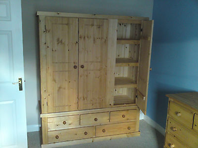 Pine Furniture Aylesbury Triple 5 Drawer Wardrobe With 3 Shelves Antique Waxed