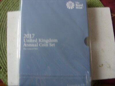 2017 United Kingdom Annual Coin Set Folder   !!!!!   With Book
