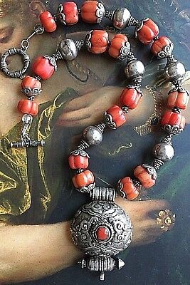 Vtg Chinese Tibetan Carved Coral Gourd Bead Silver Necklace Gau Box Pendant 108g
