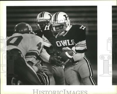 1989 Press Photo The Highlands football team runs an offensive play - sas00454