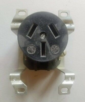 New Hubbell 7974-G Flush Mount Power Outlet / Receptacle 250V 50A 3 Wire