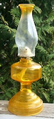 Vintage 1940s - 60s Eagle Amber / Crystal Glass Kerosene Oil Table Lamp