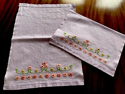 VINTAGE PAIR OF SMALL EMBROIDERED Lilac LINEN HUCKABACK Guest HAND TOWELS