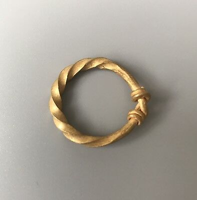 Stunning Viking Solid Gold Twisted Figure Ring With knots