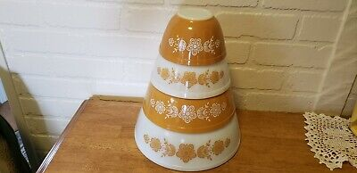 Vintage Pyrex Mixing/Nesting Bowls Butterfly Gold Excellent Condition Complete S
