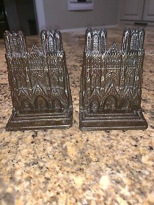 Great Vintage Pair Of Heavy Cast Iron Notre Dame Cathedral Book Ends Bookends