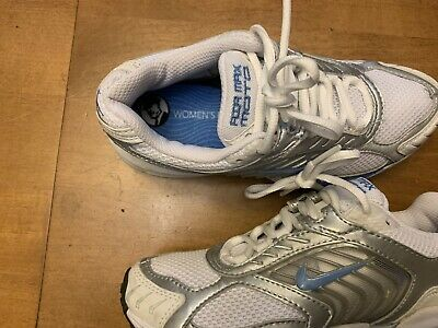 more photos ea4c2 41b21 Nike Air Max Moto Womens Size 5.5 Running Athletic Shoes
