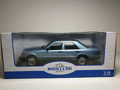 1:18 MCG Mercedes 300 E (W124) - metallic-hellblau - 1984 ***NEW***