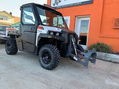 CLEAN BOBCAT 3650 HD Diesel. AC/HEAT with EPS, Comes with Material bucket