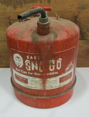 VINTAGE EAGLE SNO GO MODEL 506X 6 GAL 3 1/2 pt WOOD HANDLE SNOWMOBILE GAS CAN