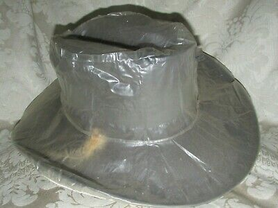 "Vintage AKUBRA "" BOBBY "" HAT & RARE Plastic Weather Cover  AS NEW Size 54"
