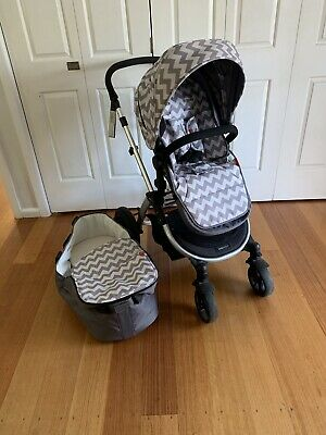 Redsbaby Bounce Pram Bassinet Stroller Chevron Grey
