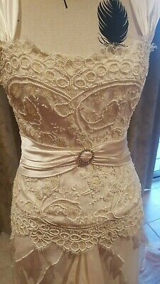 Manuell & Moore sample Ivory wedding gown Size 10