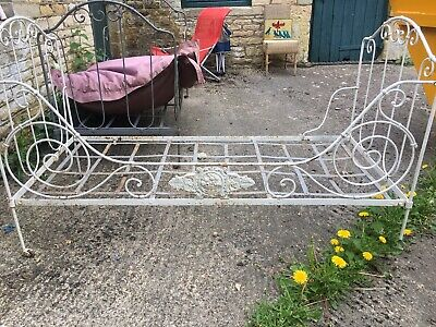 White Vintage French Antique Day Bed Starburst Crest Wrought Iron Folding