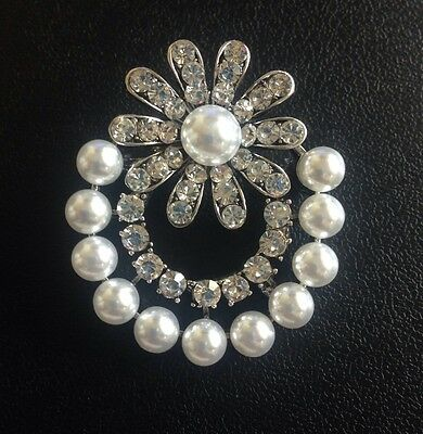 Vintage  Art Deco  40S  Style   Faux  Pearl Silver Tone Brooch