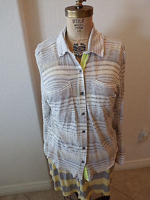 afa8a2b5a5b15 Women's WILLOW & CLAY Gray Grey Strip Button Front Stylish Blouse - Sz XS