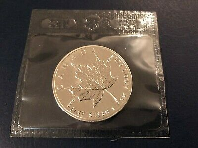 2002 1 oz Silver Canada/Canadian Maple Leaf $5 coin in original sealed pouch