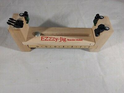 Pepperell Crafts Ezzzy-Jig Bracelet Maker Para Cord
