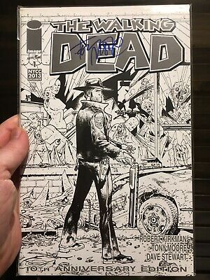 The Walking Dead 1 NM+ First 1st Print Signed By Tony Moore 10th Sketch Variant
