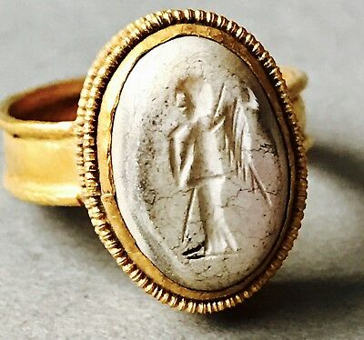 Ancient Roman Gold Ring Intaglio Depicting A Winged God C.1/2nd Cent A.D. 4.7g K