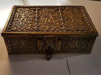 Caja bronce con llave - Pretty bronze box carved with key