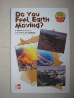 DO YOU FEEL EARTH MOVING? (LEVELED BOOKS SCIENCE) By Stephen Tomecek EARTHQUAKES