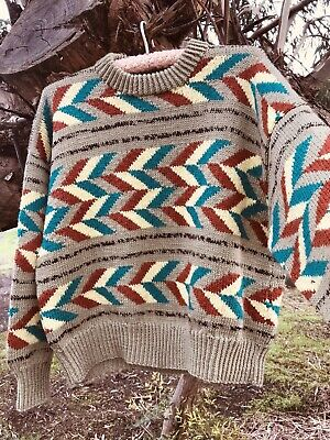 IMMACULATE VINTAGE HAND KNIT 100% PURE WOOL SIZE MEDIUM 80's Jumper Pullover